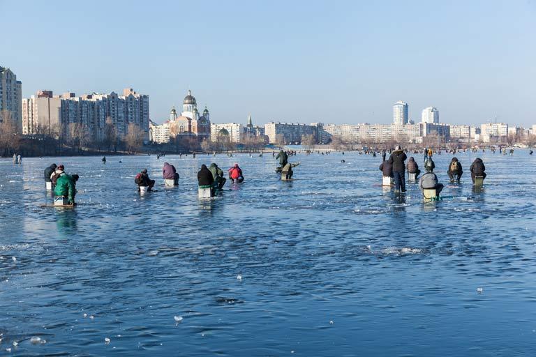 Pêcheurs sur glace à Kiev