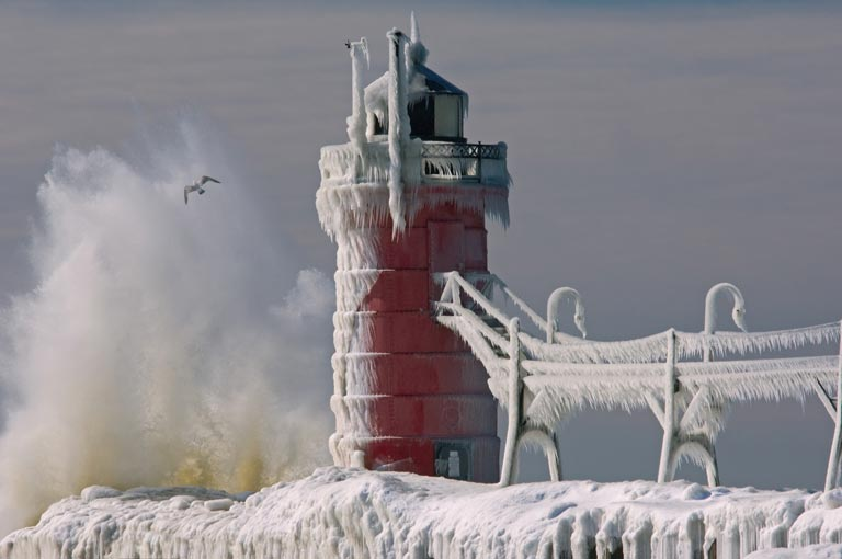 Phare de South Haven en hiver